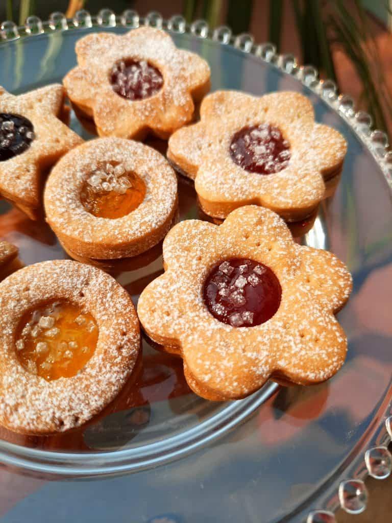 Shortcrust pastry jim-jam biscuits